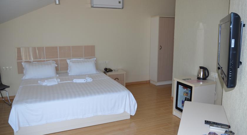 Legacy Hotel -Батуми